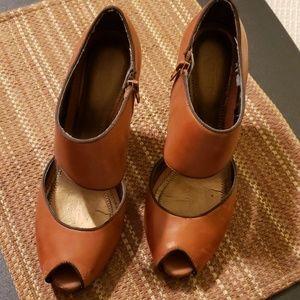 LOFT leather peek toe heels